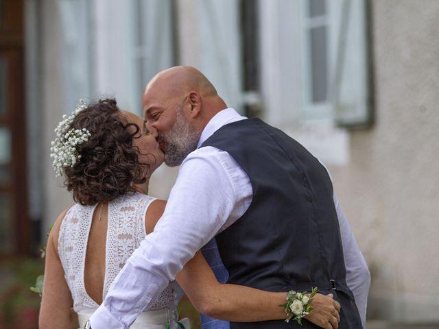 Le mariage de Etienne et Céline à Vigeois, Corrèze 1