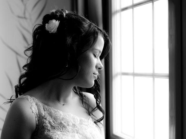 Le mariage de Bastien et Sara à Les Hogues, Eure 10