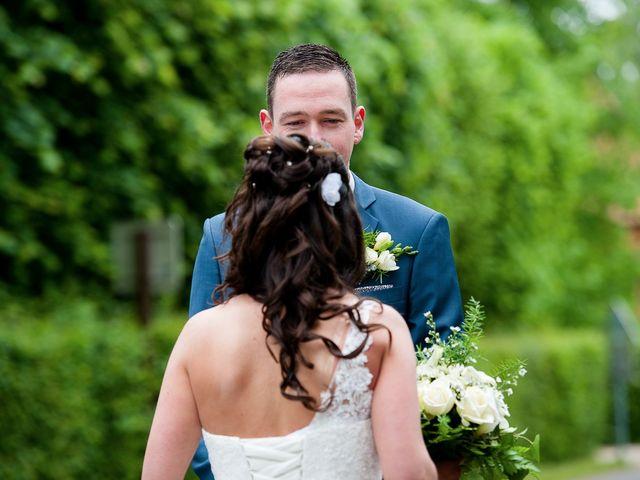 Le mariage de Bastien et Sara à Les Hogues, Eure 17