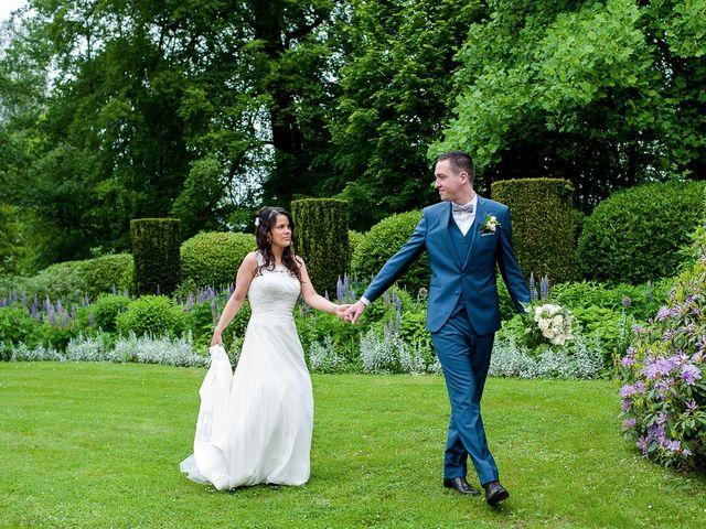 Le mariage de Bastien et Sara à Les Hogues, Eure 26