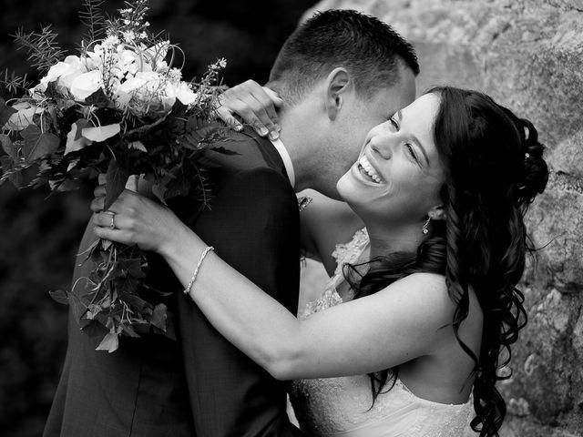 Le mariage de Bastien et Sara à Les Hogues, Eure 35