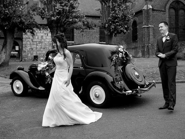 Le mariage de Bastien et Sara à Les Hogues, Eure 38