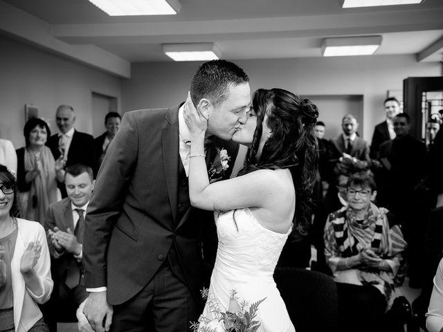 Le mariage de Bastien et Sara à Les Hogues, Eure 40