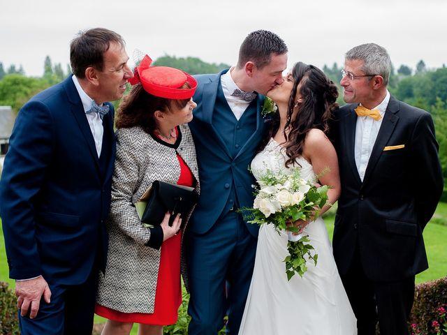 Le mariage de Bastien et Sara à Les Hogues, Eure 42