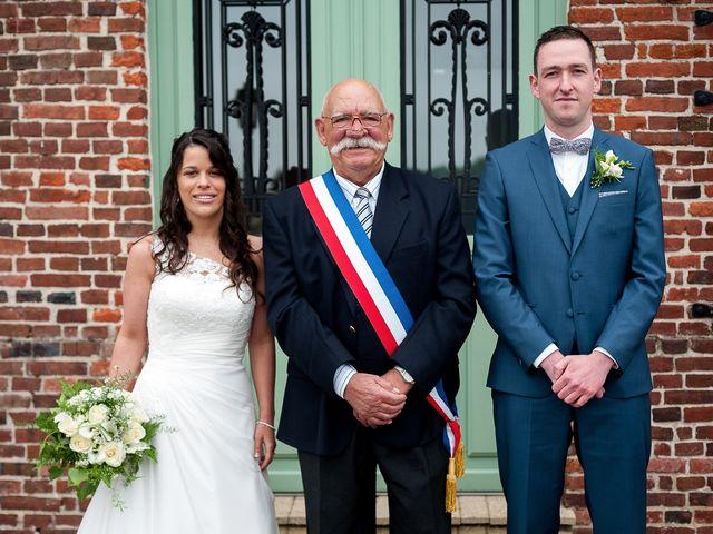 Le mariage de Bastien et Sara à Les Hogues, Eure 46