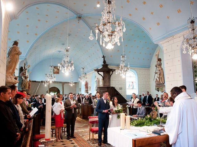 Le mariage de Bastien et Sara à Les Hogues, Eure 49