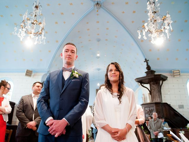 Le mariage de Bastien et Sara à Les Hogues, Eure 58