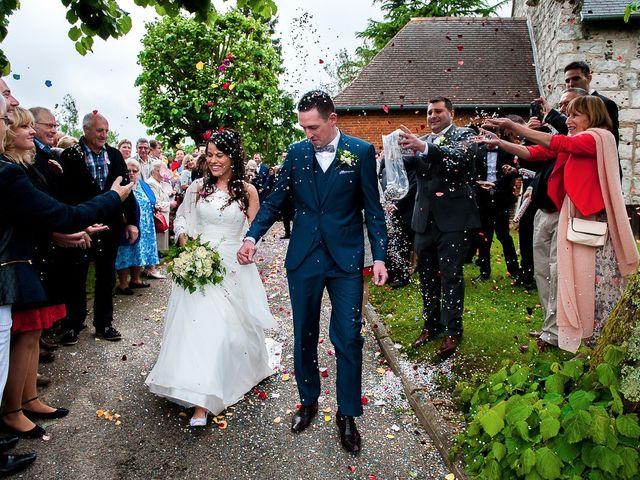 Le mariage de Bastien et Sara à Les Hogues, Eure 62
