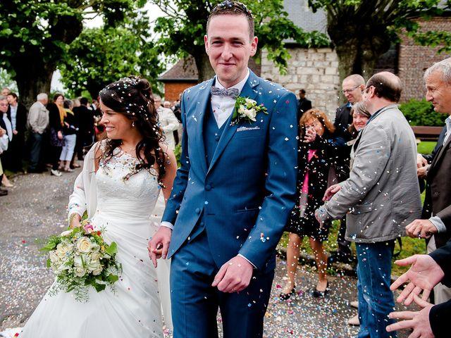 Le mariage de Bastien et Sara à Les Hogues, Eure 64