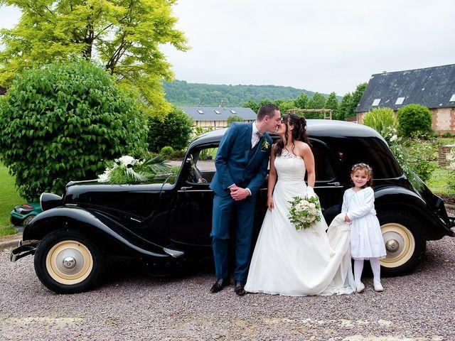 Le mariage de Bastien et Sara à Les Hogues, Eure 67
