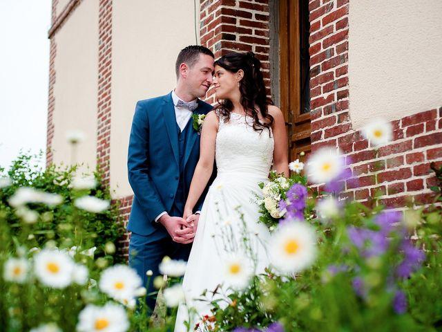 Le mariage de Bastien et Sara à Les Hogues, Eure 79