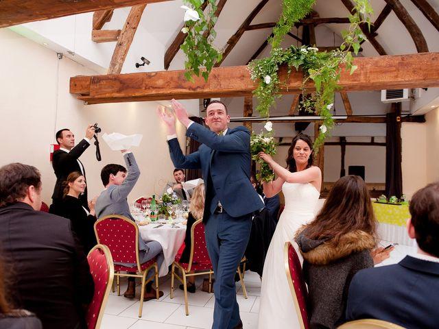 Le mariage de Bastien et Sara à Les Hogues, Eure 81
