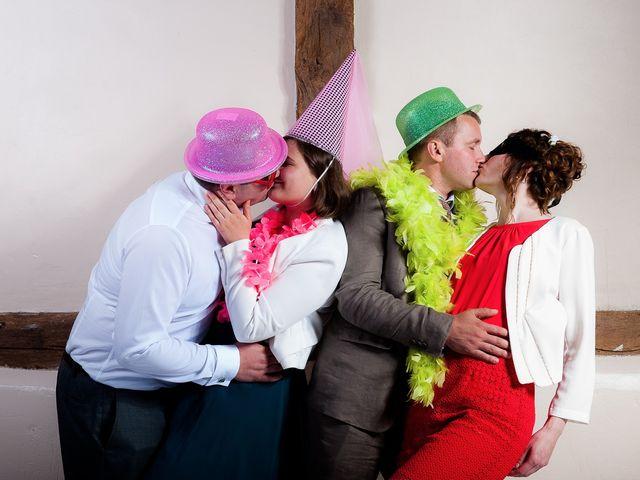 Le mariage de Bastien et Sara à Les Hogues, Eure 86