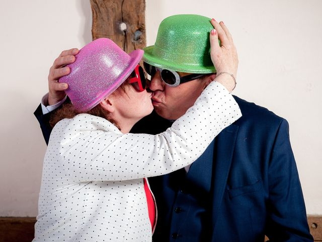 Le mariage de Bastien et Sara à Les Hogues, Eure 89