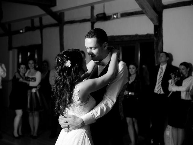 Le mariage de Bastien et Sara à Les Hogues, Eure 91