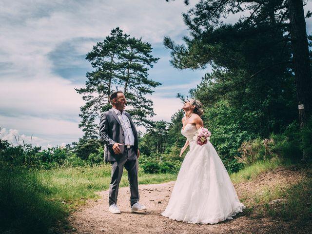 Le mariage de Eric et Marie à Chambles, Loire 15
