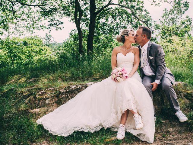 Le mariage de Eric et Marie à Chambles, Loire 17