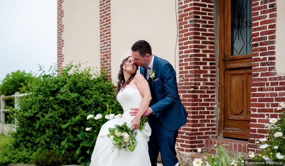 Le mariage de Bastien et Sara à Les Hogues, Eure