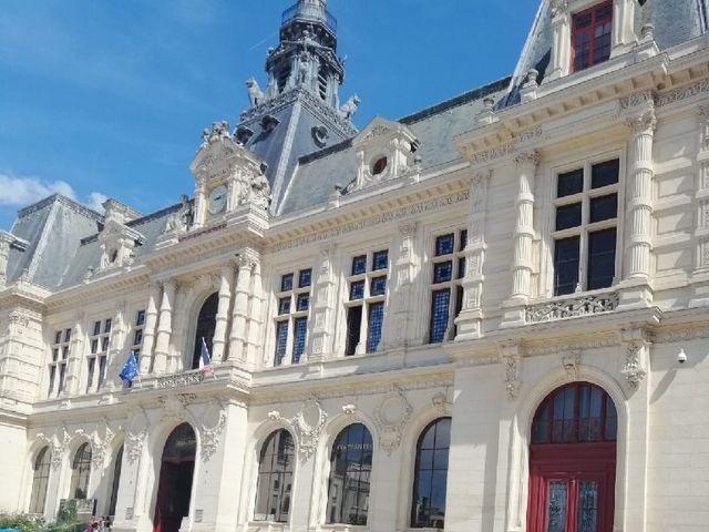 Le mariage de  Clément  et Madvi  à Poitiers, Vienne 1
