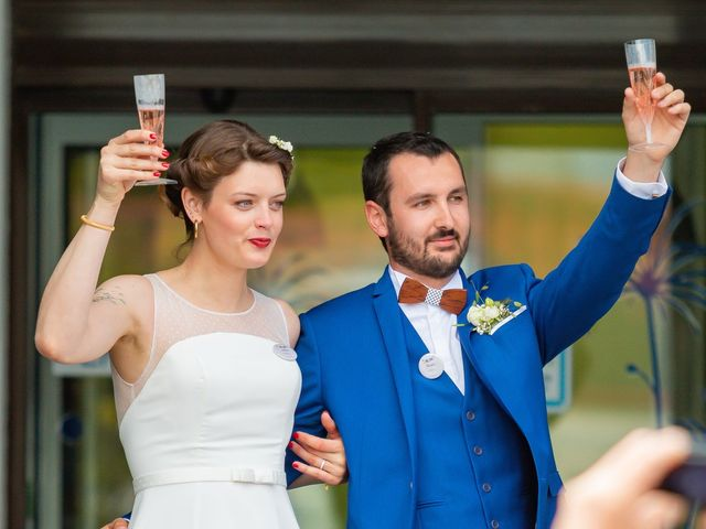 Le mariage de Adèle et Henry à Saint-Hilaire-de-Riez, Vendée 3