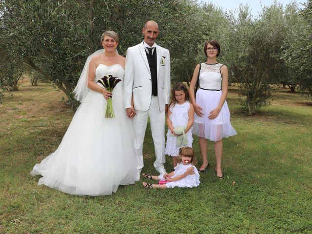 Le mariage de Alain et Laetitia à Bellegarde, Gard 13