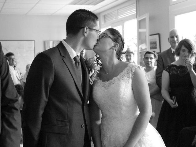 Le mariage de Loulou et Elodie à Hennezis, Eure 36