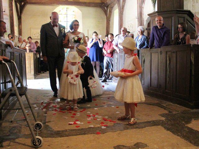 Le mariage de Loulou et Elodie à Hennezis, Eure 44