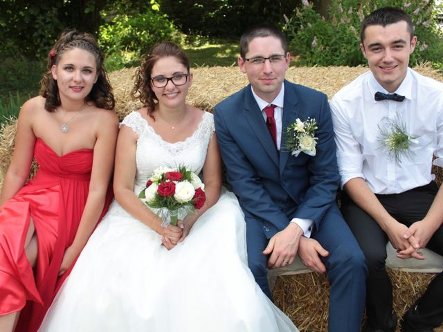 Le mariage de Loulou et Elodie à Hennezis, Eure 51