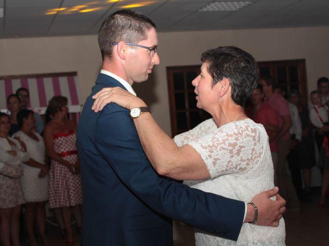 Le mariage de Loulou et Elodie à Hennezis, Eure 78