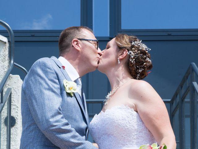 Le mariage de Eric et Myriam à Veauche, Loire 8