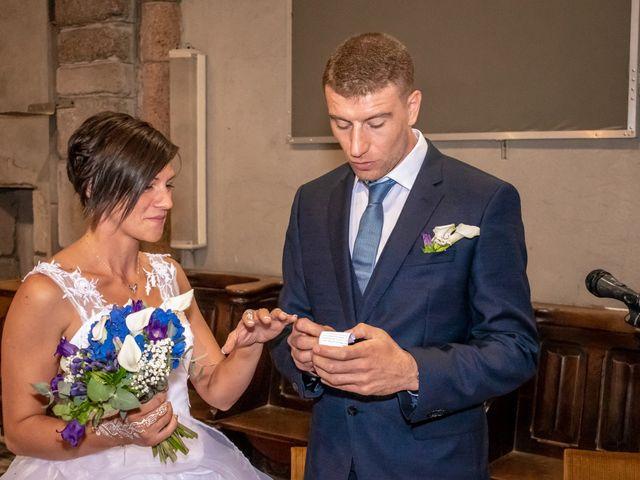 Le mariage de Denis et Élodie à Noirétable, Loire 17