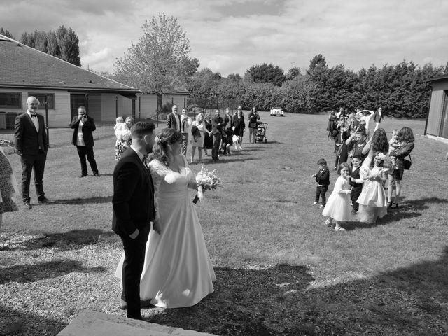 Le mariage de Benjamin et Ophélie à Mosles, Calvados 7