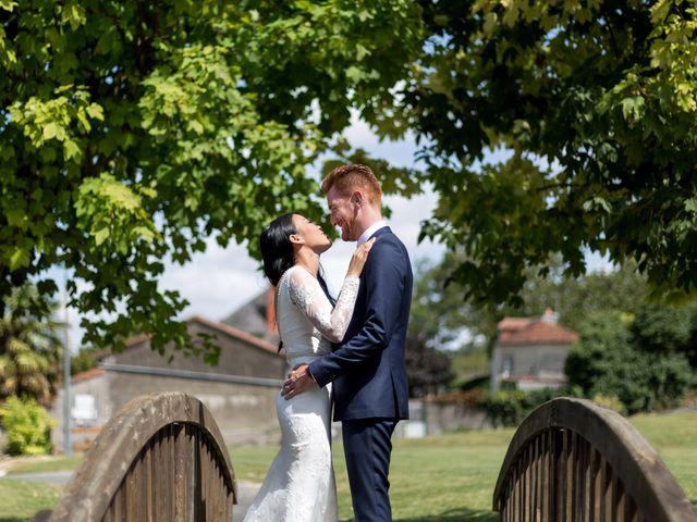 Le mariage de Maxime et Vanyung à Colombiers, Vienne 13