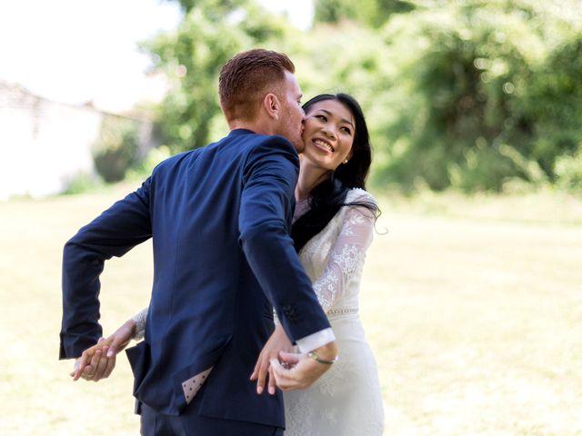 Le mariage de Maxime et Vanyung à Colombiers, Vienne 26