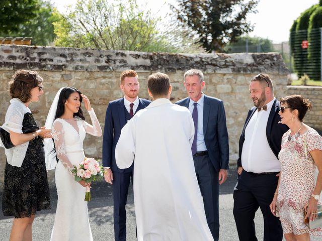Le mariage de Maxime et Vanyung à Colombiers, Vienne 40