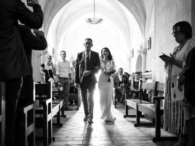 Le mariage de Maxime et Vanyung à Colombiers, Vienne 43