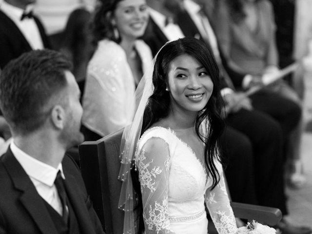 Le mariage de Maxime et Vanyung à Colombiers, Vienne 53