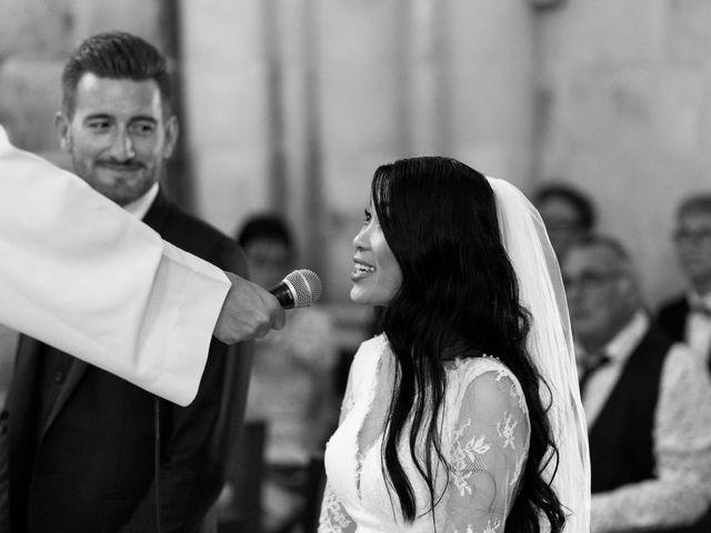 Le mariage de Maxime et Vanyung à Colombiers, Vienne 56