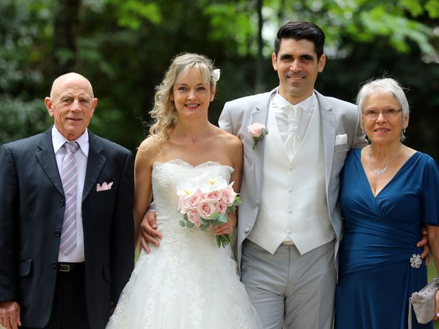 Le mariage de Pierre et Nathalie à Podensac, Gironde 41