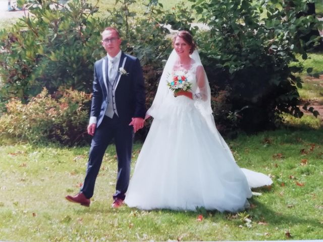 Le mariage de Kevin et Cornelia à Plumergat, Morbihan 30