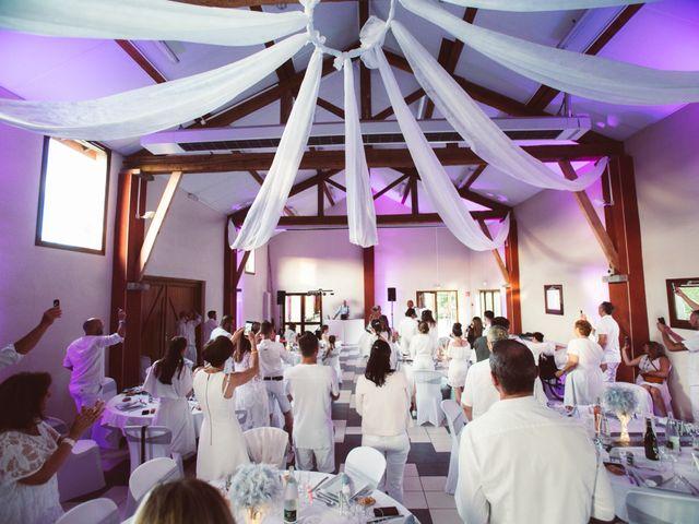 Le mariage de Loic et Carine à Clermont-Ferrand, Puy-de-Dôme 22