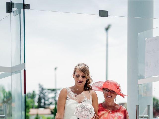 Le mariage de Julien et Laura à Bordeaux, Gironde 45