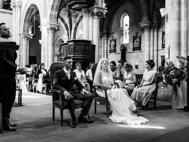 Le mariage de Julien et Laura à Bordeaux, Gironde 65