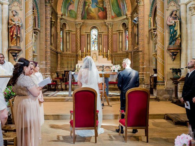 Le mariage de Julien et Laura à Bordeaux, Gironde 69