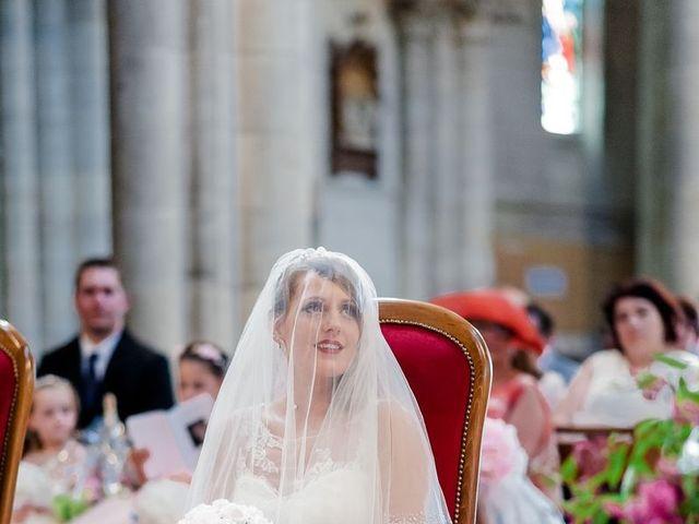 Le mariage de Julien et Laura à Bordeaux, Gironde 74