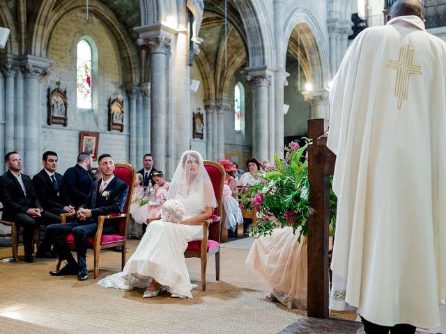 Le mariage de Julien et Laura à Bordeaux, Gironde 77