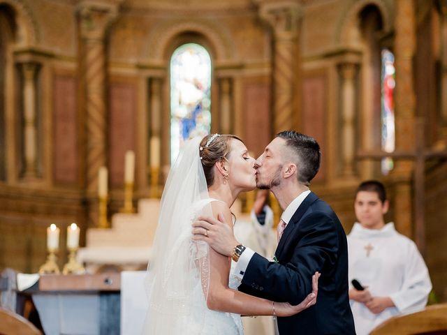 Le mariage de Julien et Laura à Bordeaux, Gironde 91