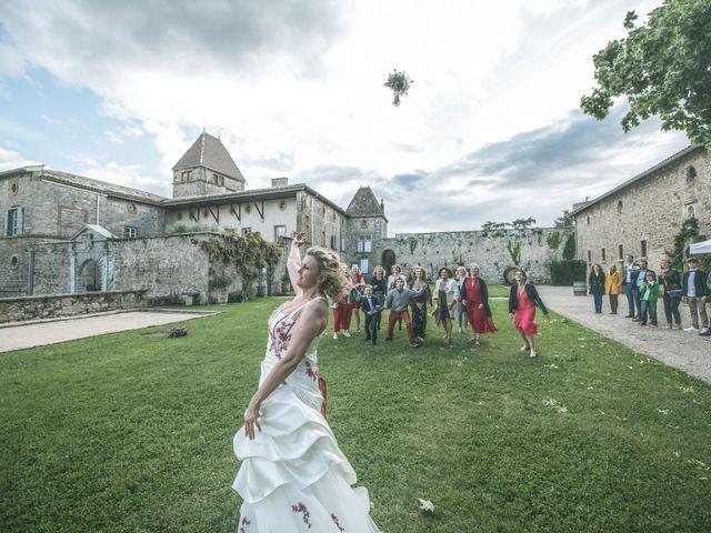 Le mariage de Cyril et Emmanuelle à Millery, Rhône 46