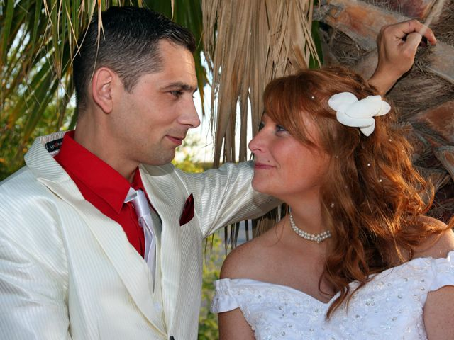 Le mariage de Mickaël et Vanessa à Magalas, Hérault 40