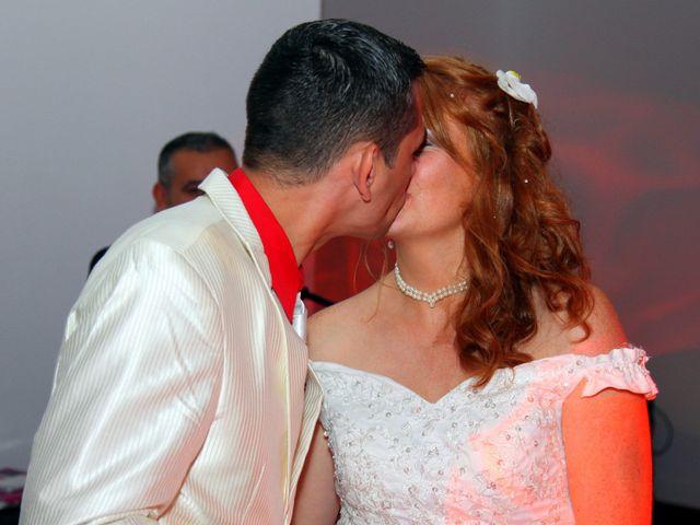 Le mariage de Mickaël et Vanessa à Magalas, Hérault 75